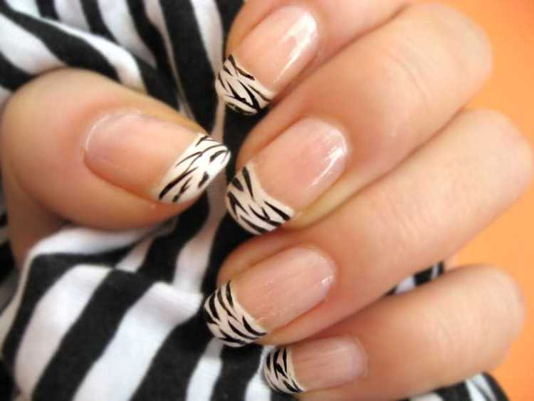 Incredible White And Black Nail Art On tips