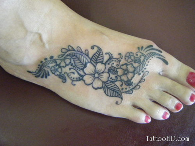 Maori Clovers Foot Tattoo Design For Girls