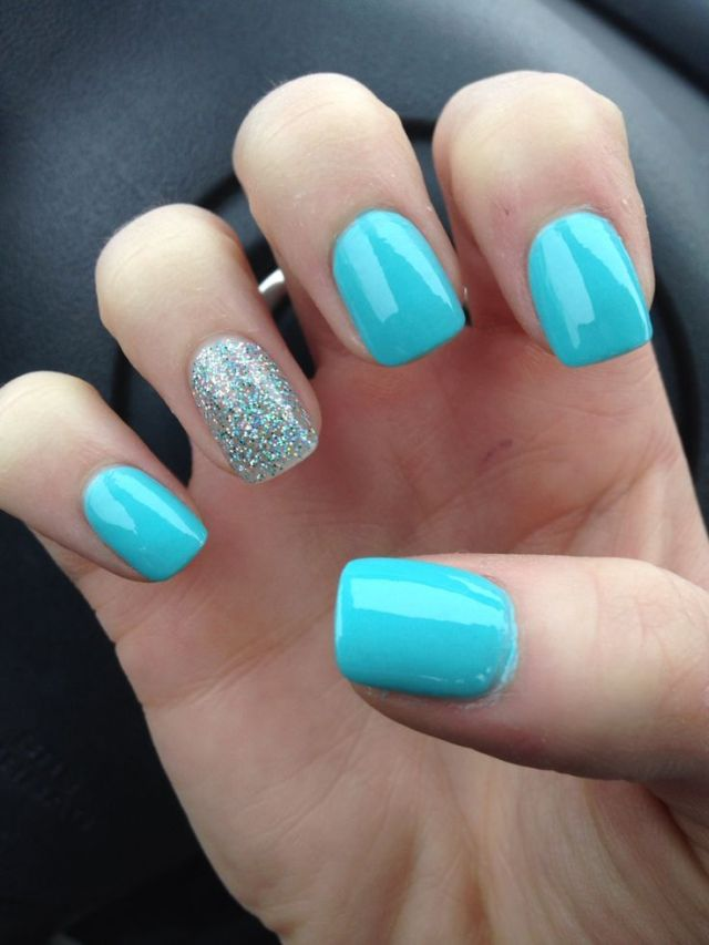 Mind Blowing Blue Nail WIth Sky Blue Color And Silver Paint