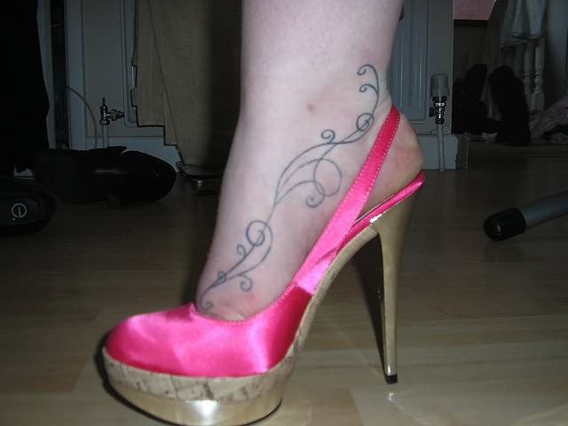 Mind Blowing Heel Sandal n Tattoo Design For Girls