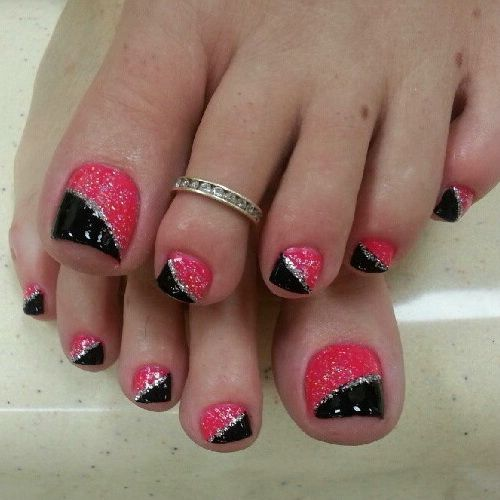 Most Sensational Black And Pink Nails With Sparkling Color Paint