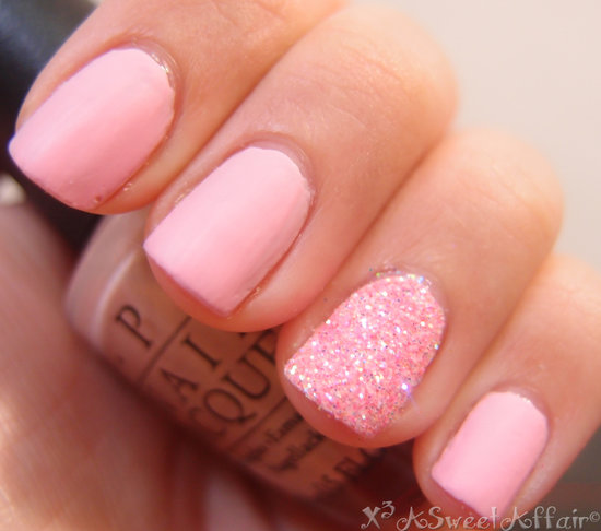 Natural Look Baby pink Glitter Accent Nail Art