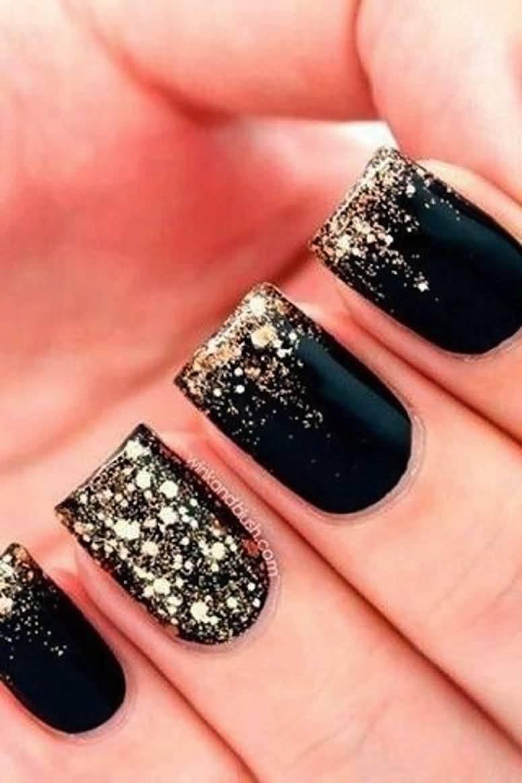 Phenomenal Black Nail Art Design With Sparkling Nail Paint