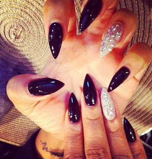 Phenomenal Stiletto Nails With Sparkling Silver Nails