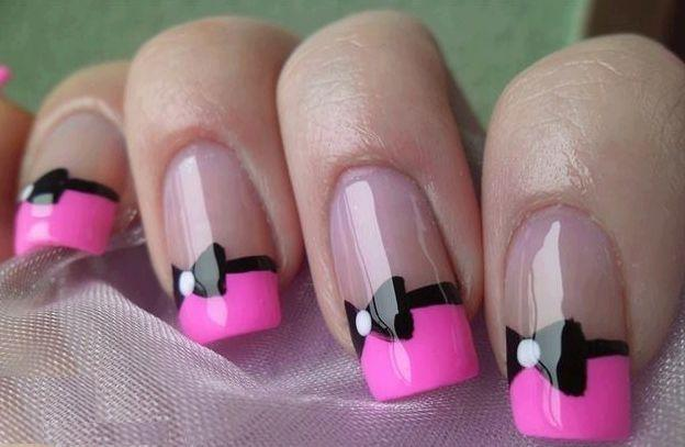 Sparkling Black And Pink Nails With a Bow Design