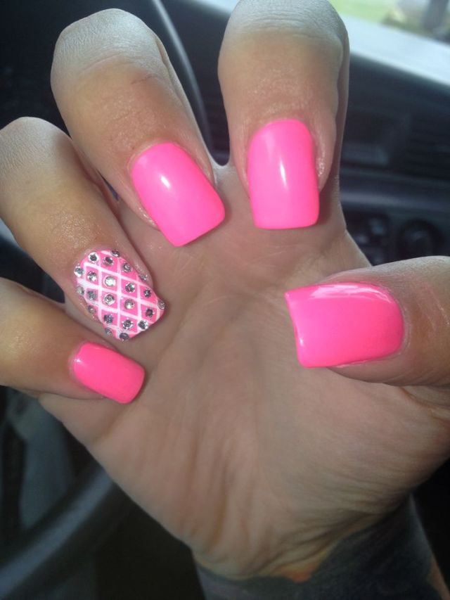 Sparkling Pink Color paint With Rhinestone Almond Shaped Acrylic Nail Art Almond Shaped Acrylic Nails