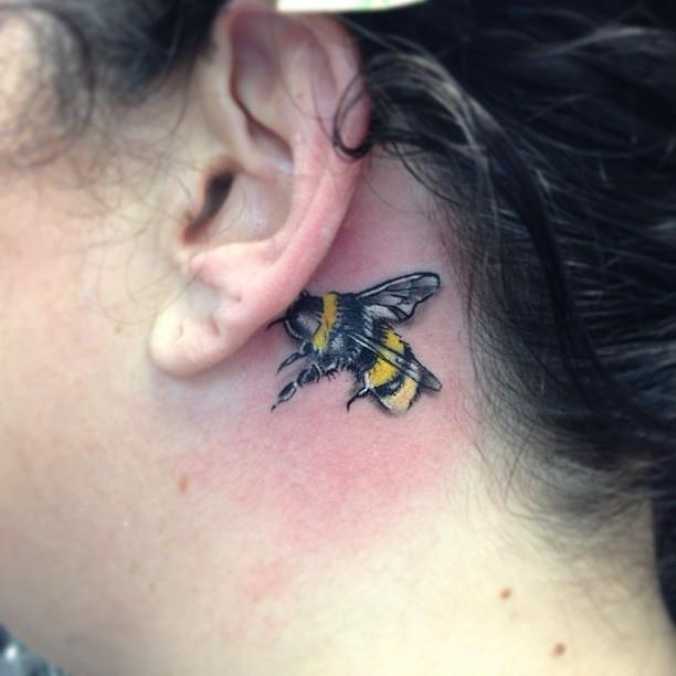Sweet Back Ear Bee Tattoo For Girls