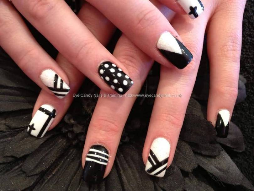 Tremendous Black And White Color Design Black Acrylic Nail Art