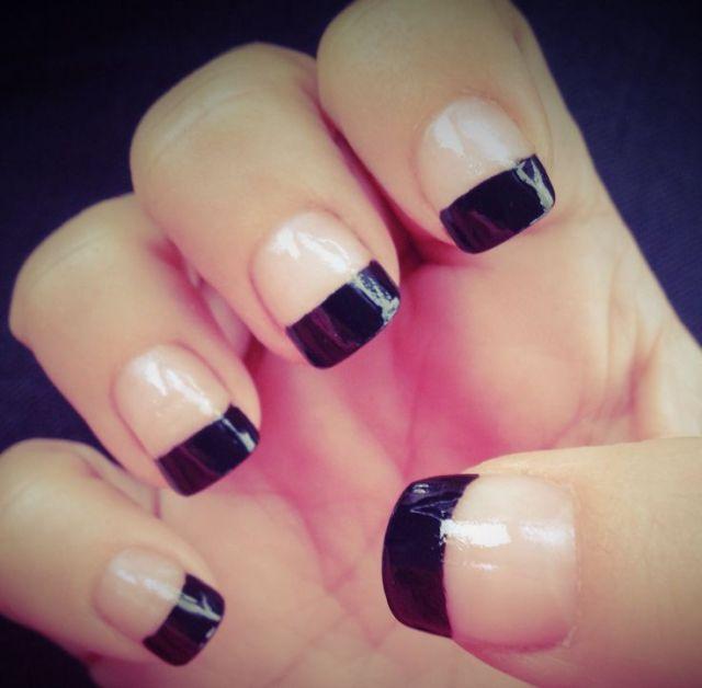 Trending Black Nail Art With Black Color Tip