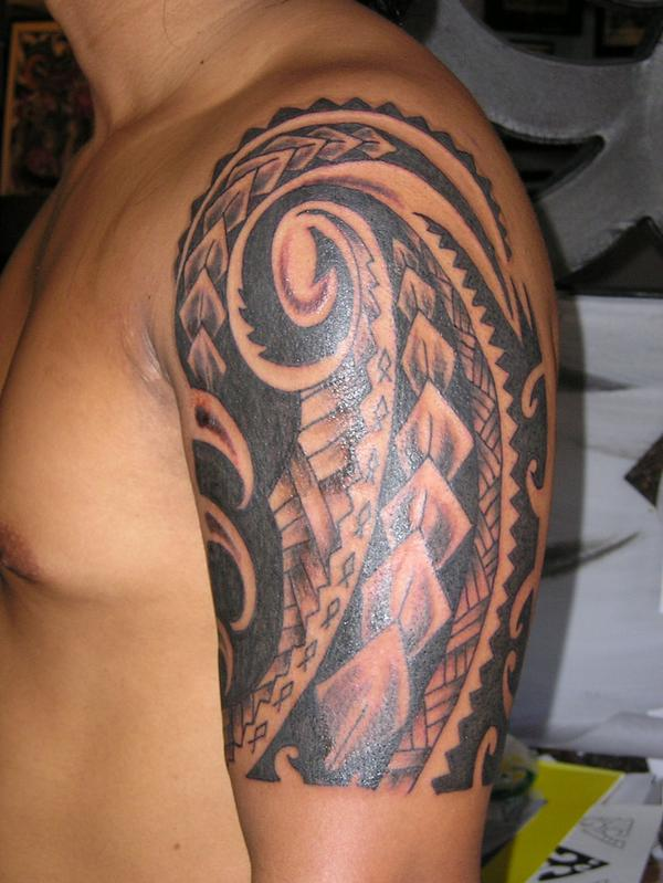 Trendy Hawaiian Tribal Tattoo On Half Sleeve For Boys