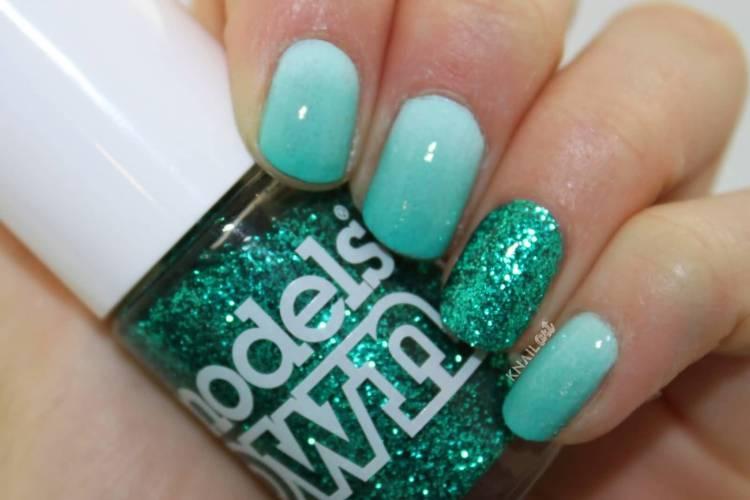Ultimate Sky Blue Color Design With Accent Nail Design
