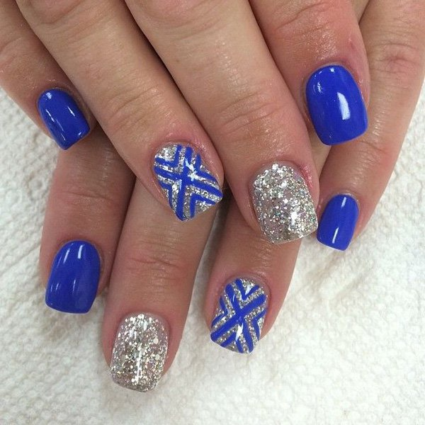 Wonderful Blue Nail With Silver Paint Design