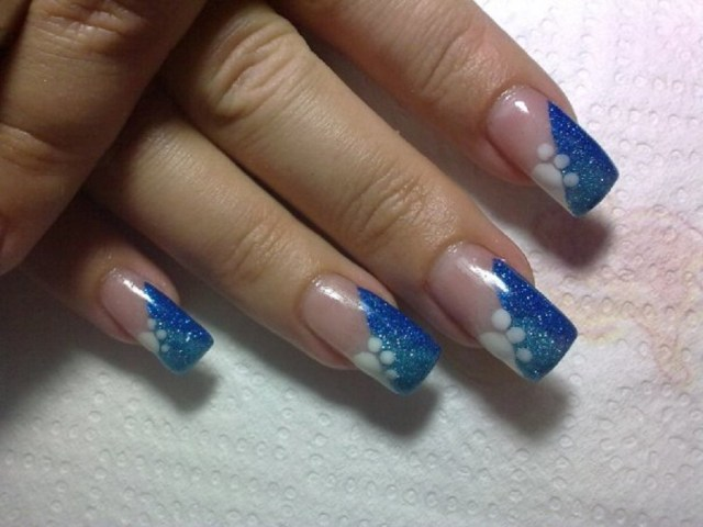 Wonderful Sparkling Paw Design Blue Nail
