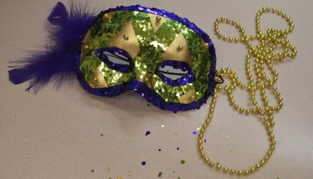 28 Mardi Gras Mask Image