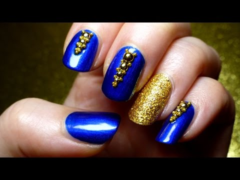 Incredible Blue Nails WIth Golden Paint (2)