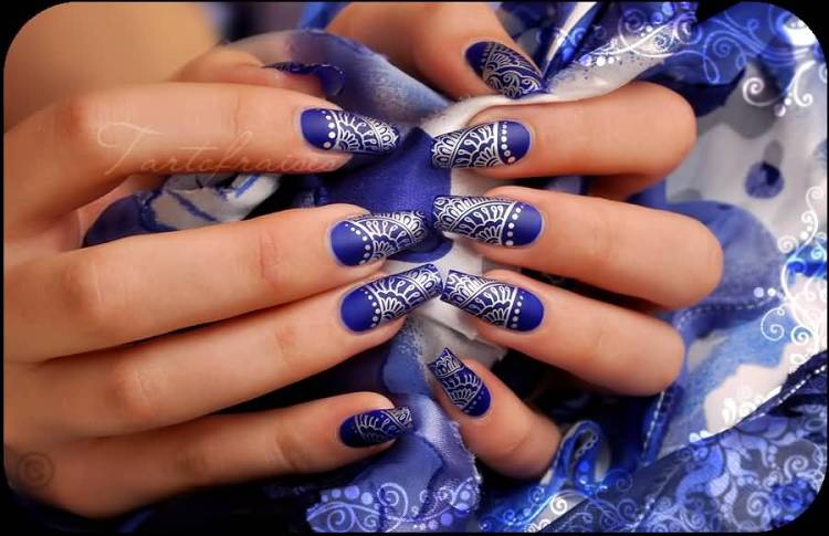 Incredible Blue Nails With Nice Design