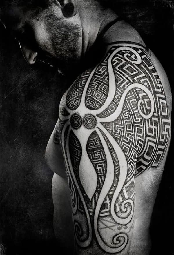 Mind Blowing Aztec Tattoo on Shoulder for Boys
