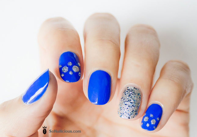 Nice Blue Nails With Sparkling Paint
