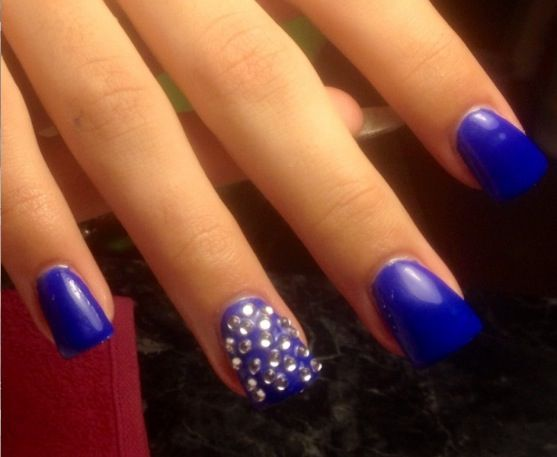 Tremendous Blue Nails With Crystal Design