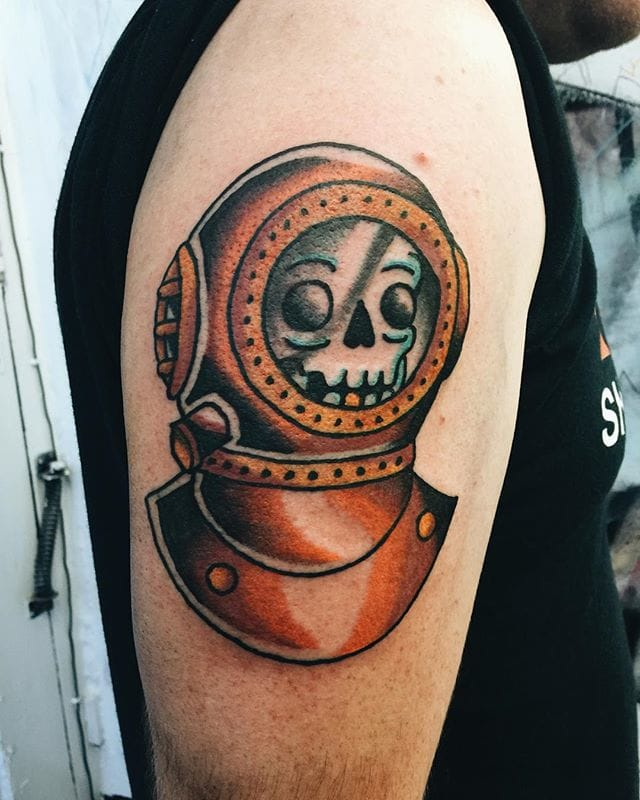 Extremely Diving Helmet Tattoo for Shoulder