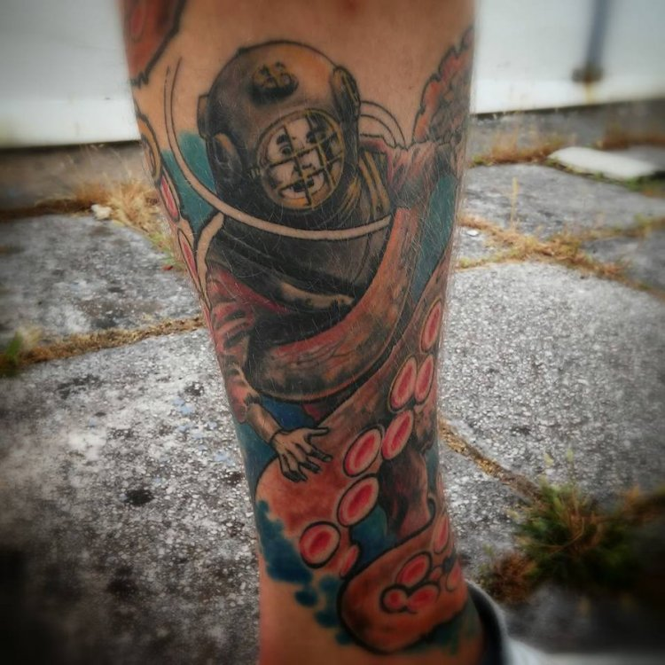 Inspirational Diver Tattoos on leg for Mens