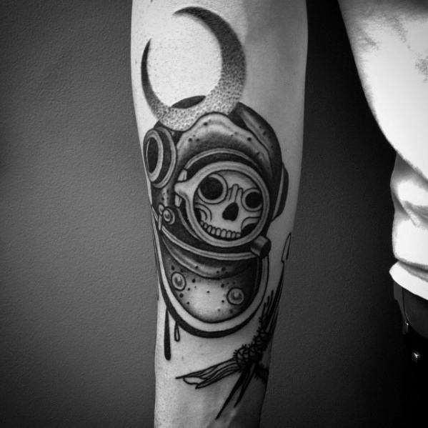 Cool Diving Helmet Tattoos On arm for boy