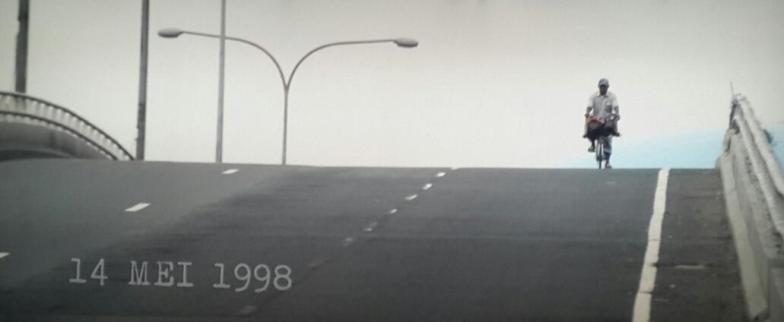 film di balik 98 (8)