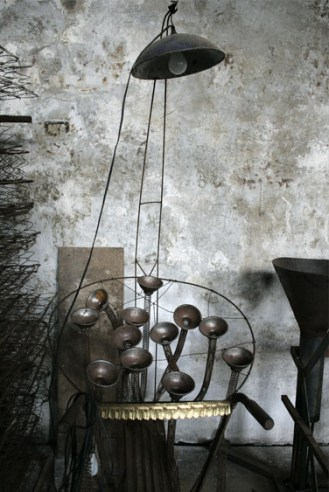sculptures de Pierre Meunier dans son atelier