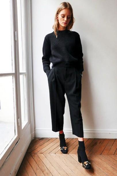 le fashion image blogger sweater pants socks shoes cropped pants black