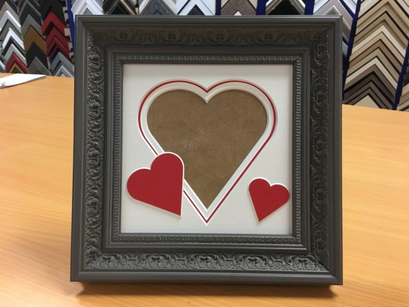Picture Frame With Heart Shaped Mount Frameswalls