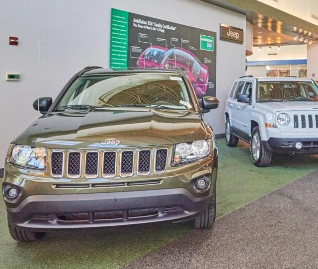 Chrysler Dodge Jeep Ram Fiat Dealership Serving Glendale