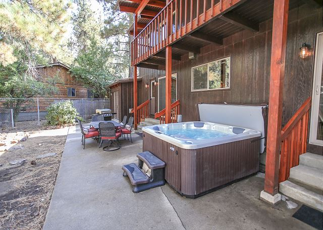 Outdoor Spa & Propane Grill