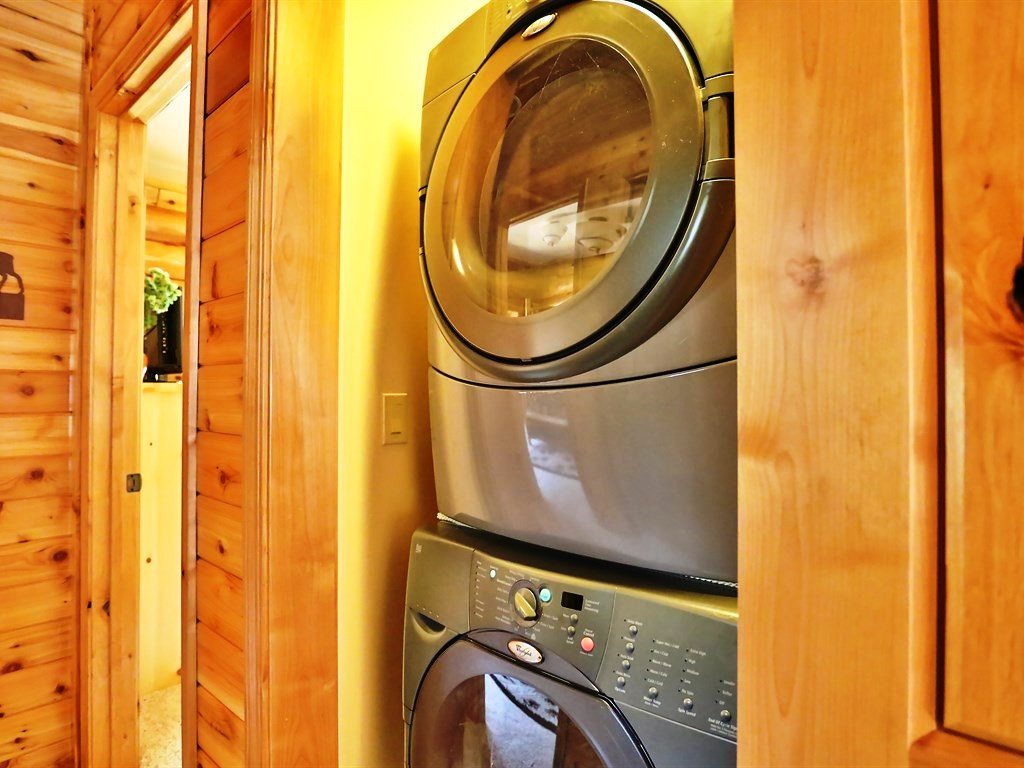 This property comes with many high-quality amenities, including a washer and dryer, which are very convenient when staying anywhere overnight.