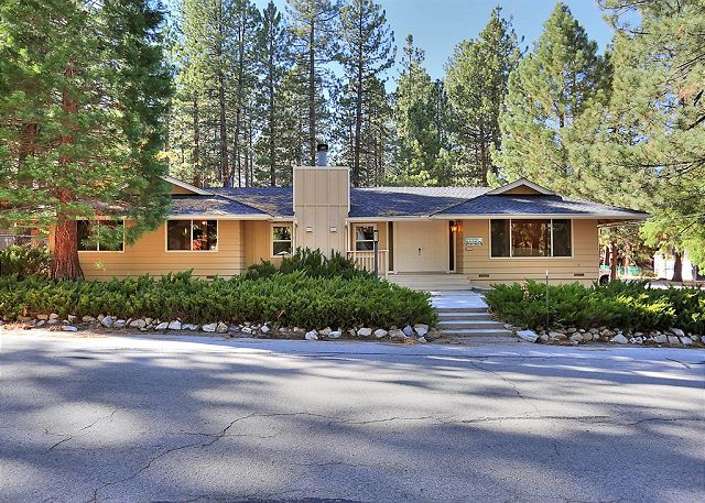 Spacious Big Bear Home 3 Bedrooms, 2 Bathrooms, Sleeps 8