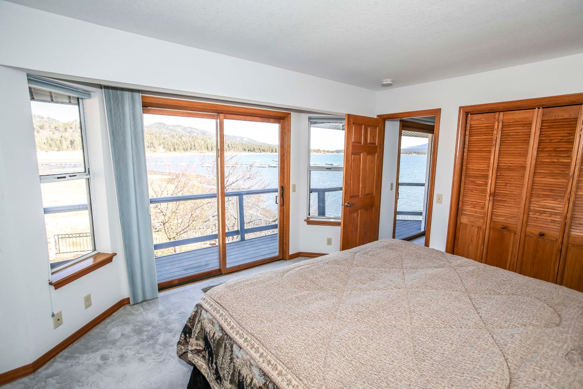 Bedroom #1 with Queen and beautiful views.