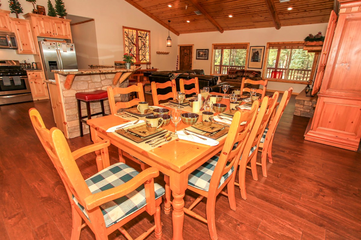 Beautiful Dining Area with Rustic Decor