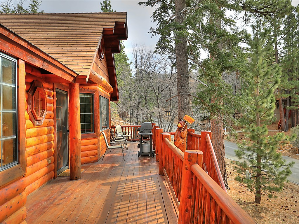 Plenty of deck space make this home an ideal place to relax, entertain or to simply enjoy this beautiful cabin home here in Big Bear.