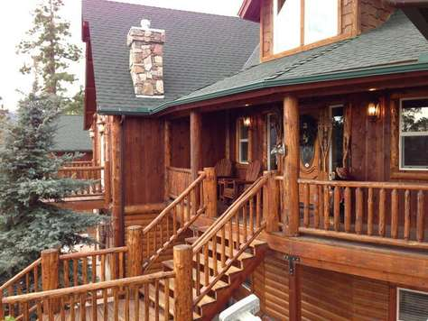 Beautiful Entry with Deck and Seating