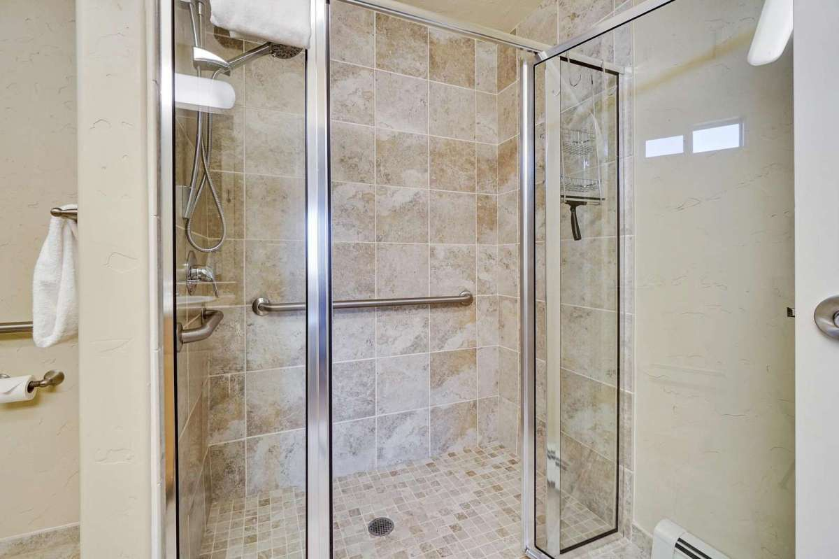Enjoy a nice relaxing easily accessible shower.