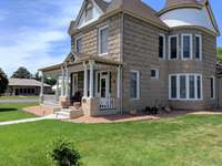 Beautifully renovated Victorian Home located in the heart of Fruita thumb