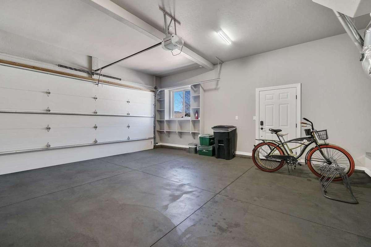 Hawk House II Garage
