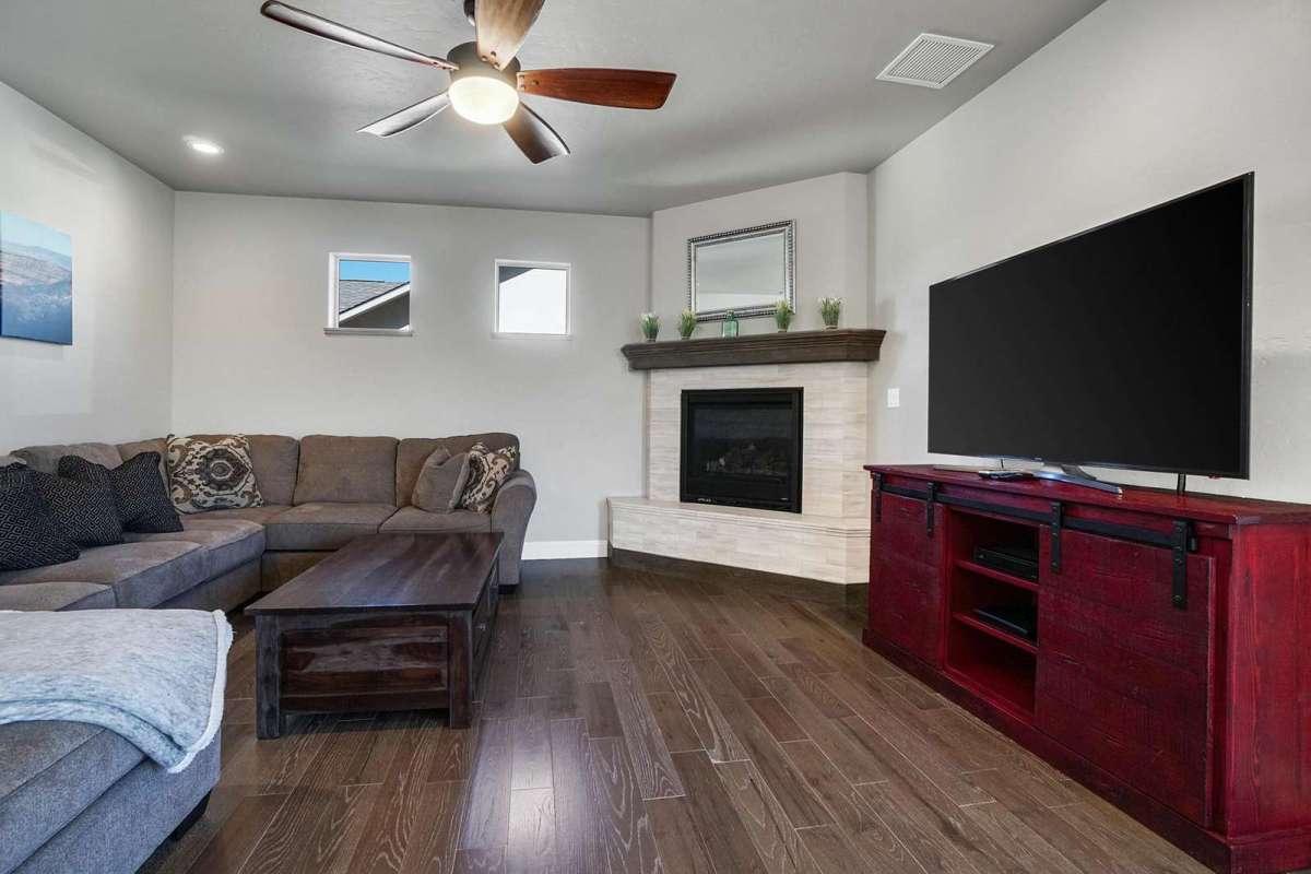 Hawk House II Living Room