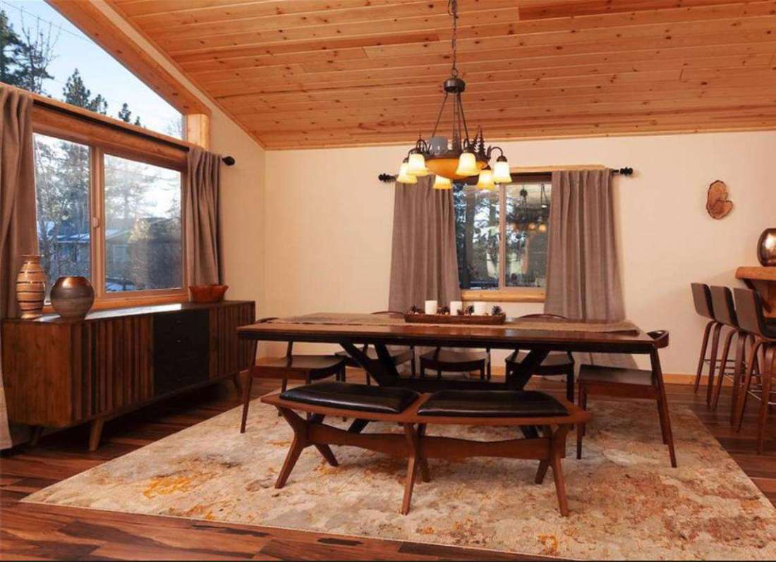 Dining table can accommodate 8 to 10