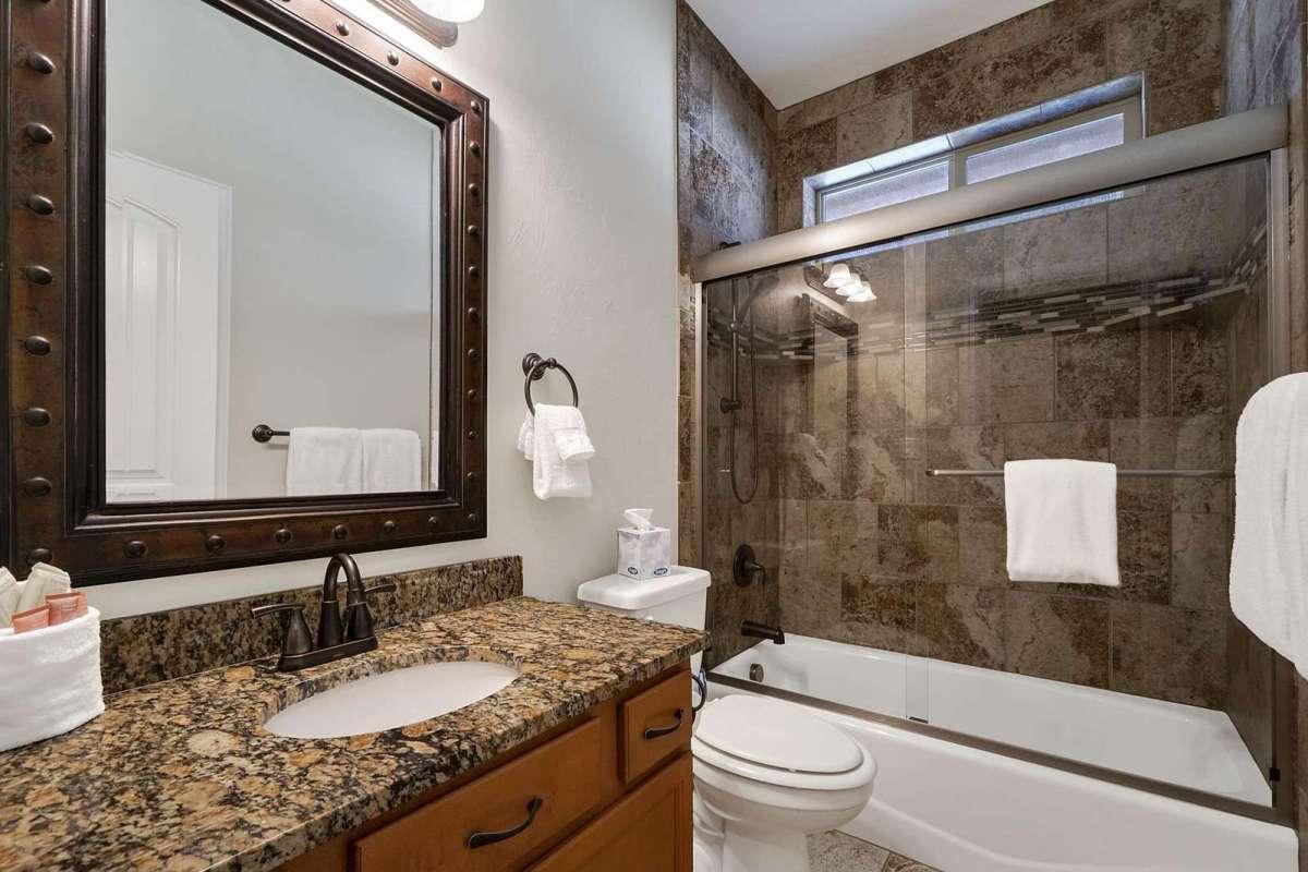 Black Bear IV Main Bathroom