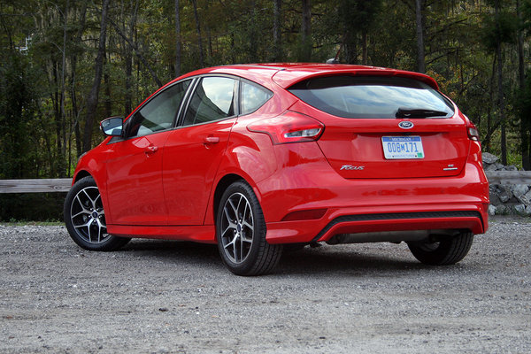 2015 Ford Focus Hatchback – Driven | car review @ Top Speed