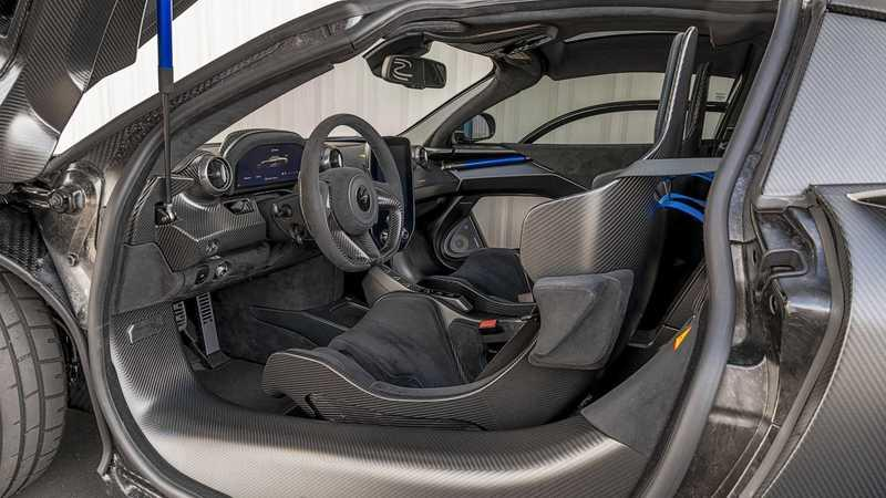 This McLaren Senna With $360K In Options Is Heading to Auction Interior - image 961969