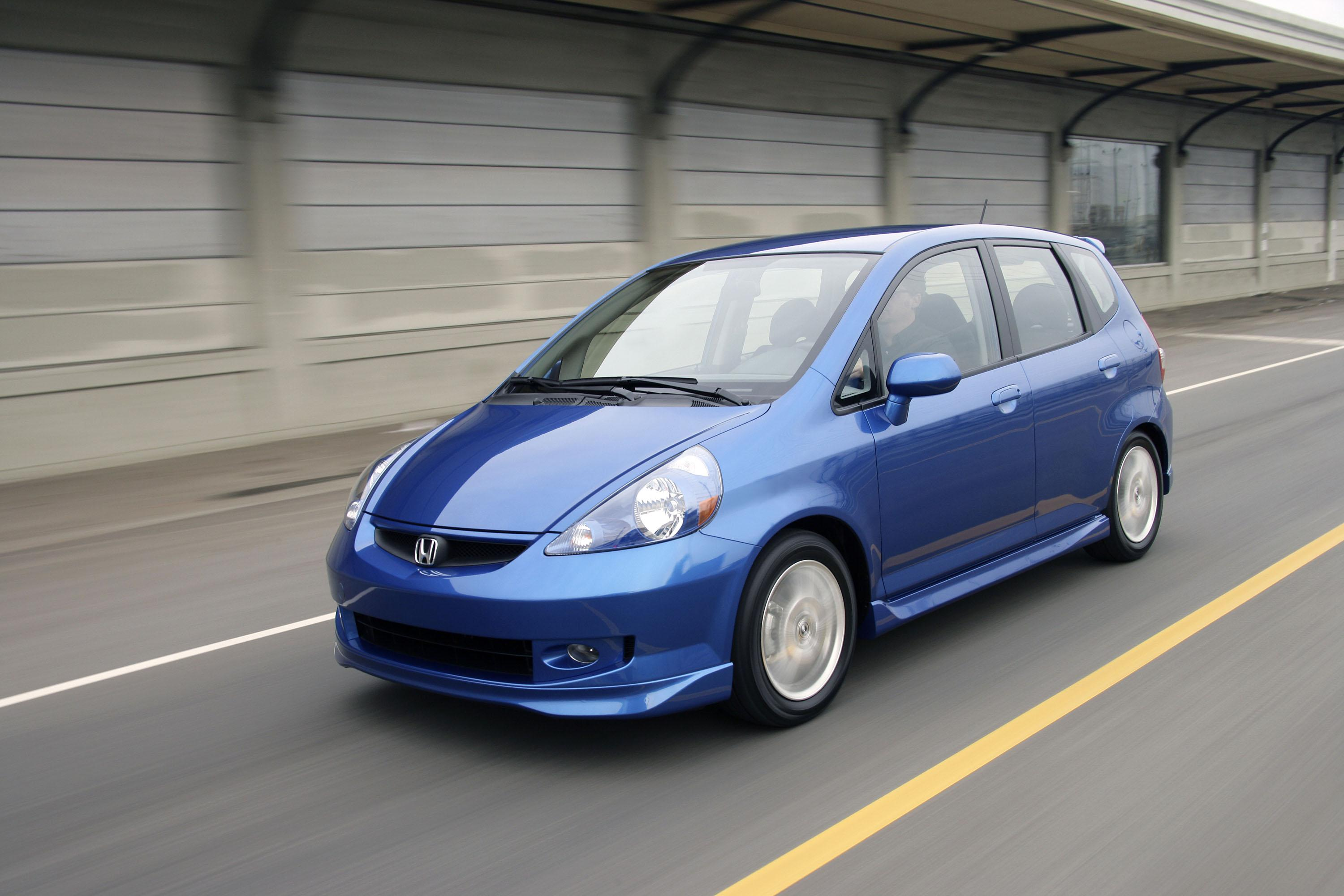 Research the 2020 honda fit at cars.com and find specs, pricing, mpg, safety data, photos, videos, reviews and local inventory. 2008 Honda Fit | Top Speed