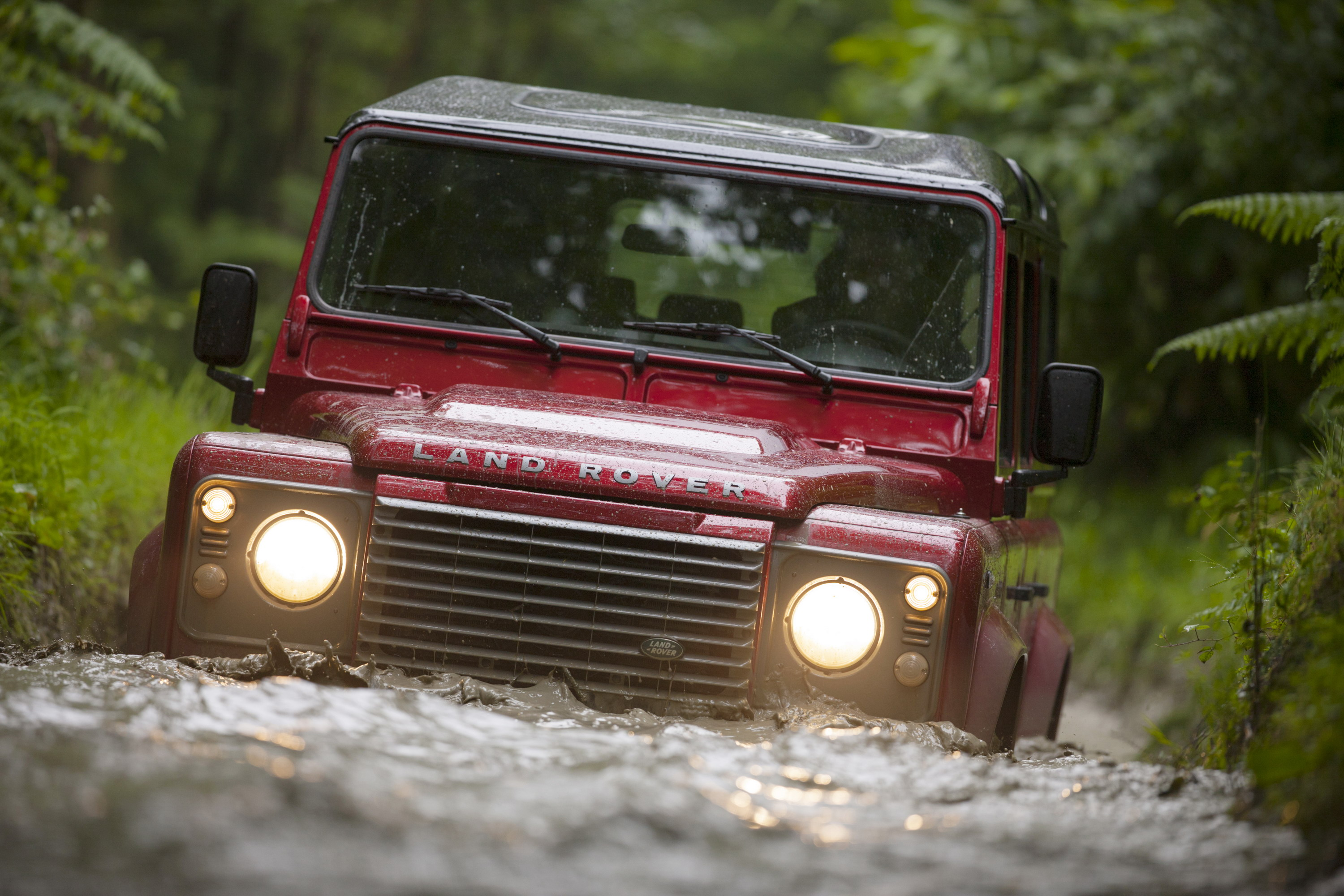 Course The Next Land Rover Defender Will Be Electrified News