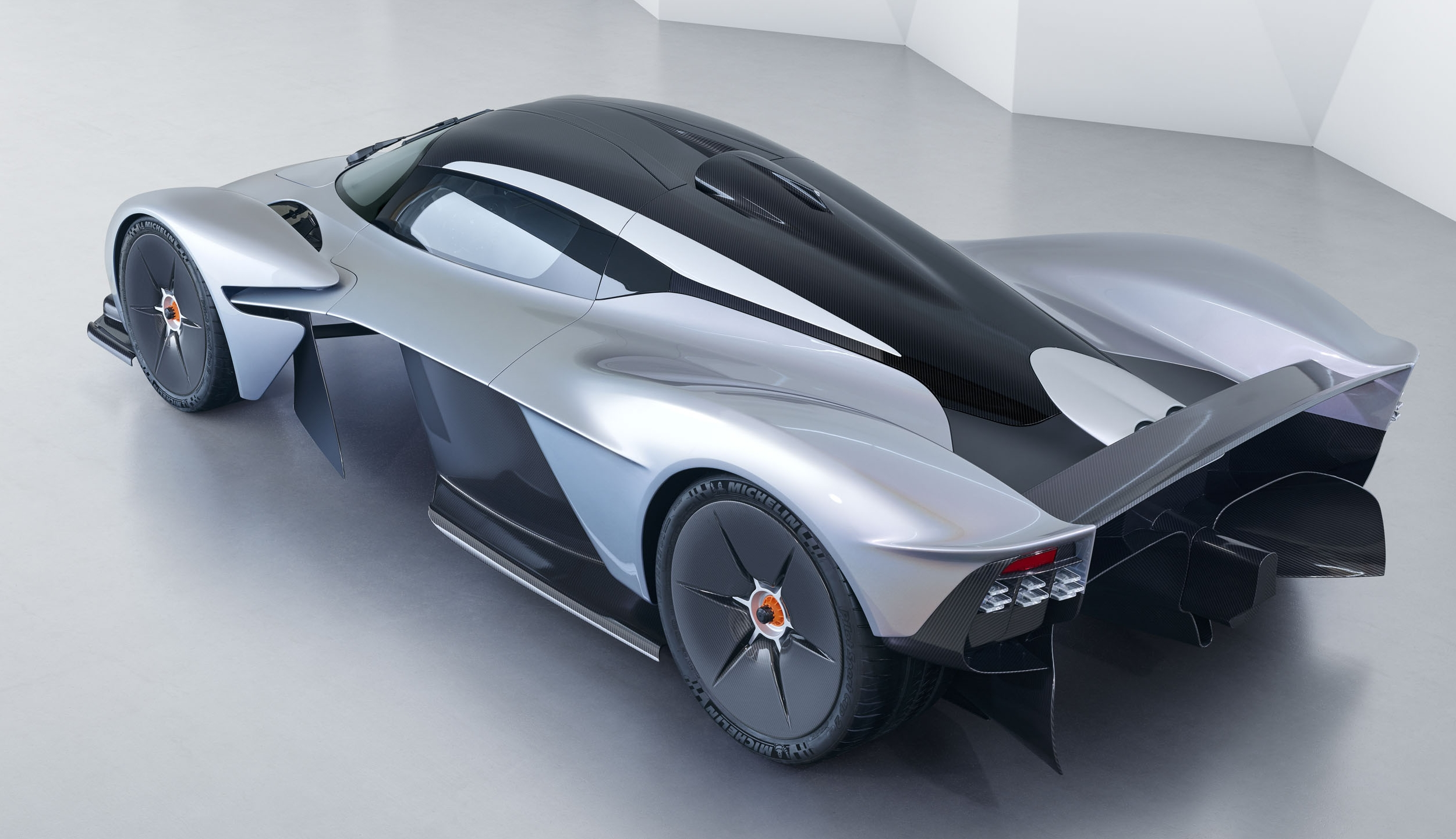 2018 Aston Martin Valkyrie Top Speed