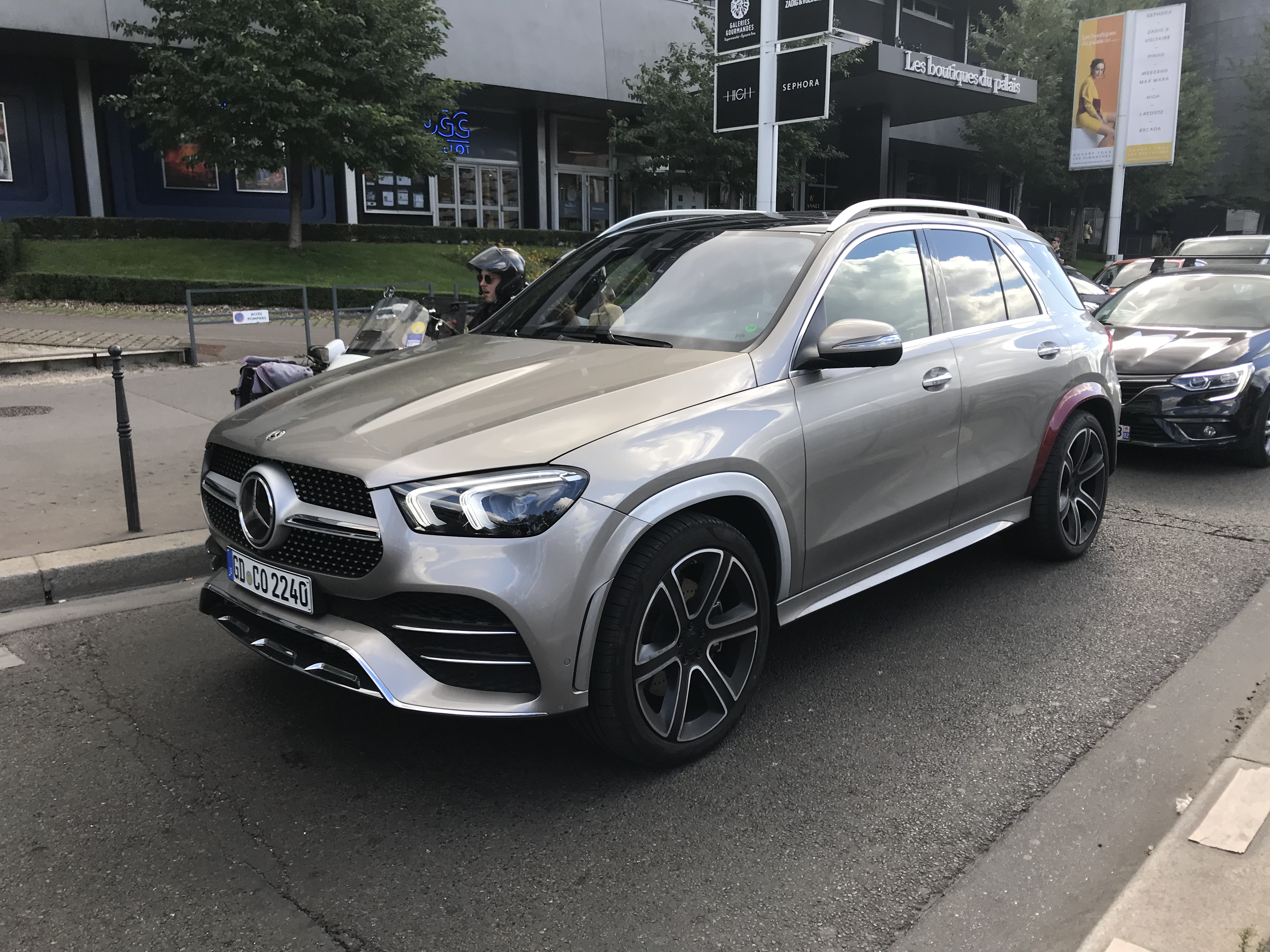 Exclusive We Caught The 2019 Mercedes GLE In The Wild For